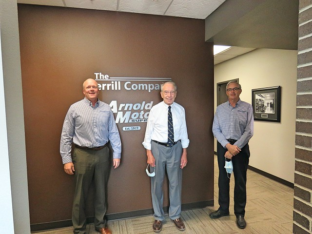 Arnold Motor Supply Hosts Senator Grassley and Local Independent Repair Shops